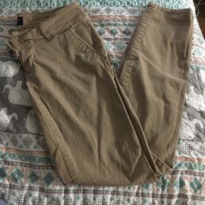 American eagle size 2 khakis tag with size remove